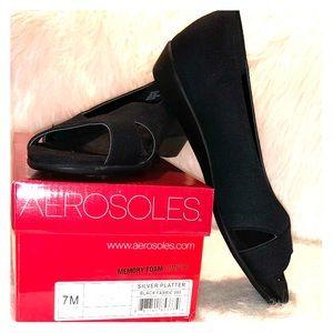 NWT Aerosoles Peep Toe Flat